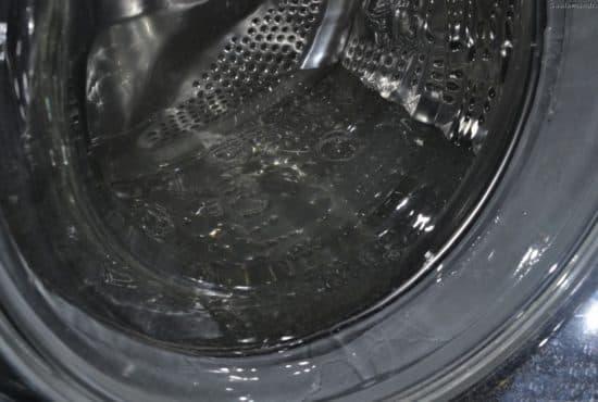 Почему стиральная машина набирает много воды и переливает